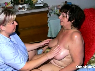 Granny Gets Washed Before The Pleasuring
