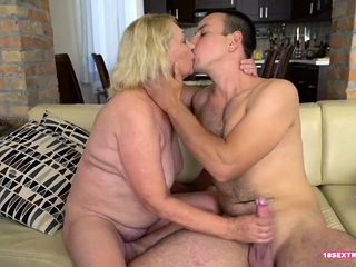 Mature Bitch Loves To Get Facialized