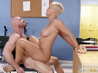 Short-haired Blonde Gilf Getting Pounded By Hot-blooded Lover